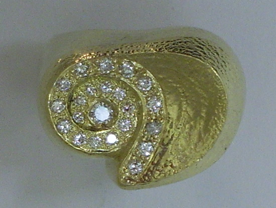 22K Gold & Diamond Ring