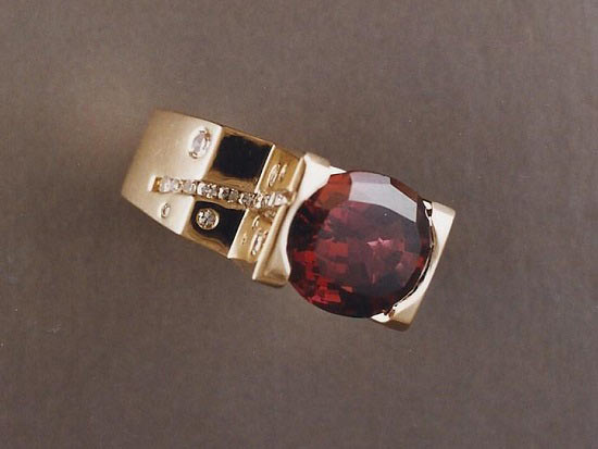 18K Gold, Diamond & Rhodolite Garnet Ring