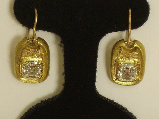 22K Yellow Gold & Diamond Dangle Earrings