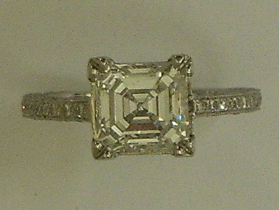 Beautiful Engagement Ring With Fladers Cut Brilliant Diamond